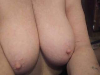 Folks dont cha\' just want to lick her nipples \'til she cums ?