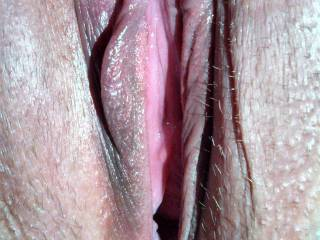 sure would like to lick and suck all that sweet wet pussy and suck of all that sweet pussy cum...yummy