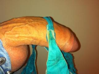 OMG I would love to see if my wife could handle that dick