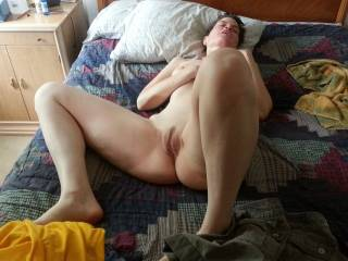 Would love to fill and eat that beautiful pussy!