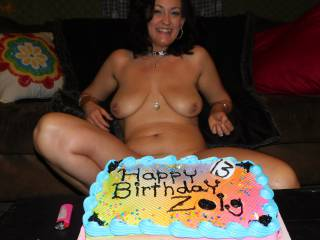 Happy Birthday to ZOiG and me!!  35 and I\'m loving my body lately.  Hope you all enjoy, love showing off for you sexy people!