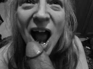"""Femme Sexuelle - Noir et Blanc Classique: """"A Lover of Cock and Cum"""""""