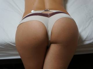 perfect pic, your ass is so attractive and those panties going between your legs so tightly, ooooooooh fuck, I think I'm about to cum!!!!!!!!!!!!
