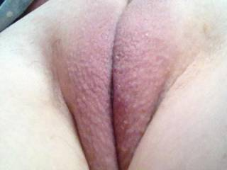 Have a throbbing hard cock right now just looking at that yummy pussy