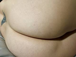 Big curvy ass.  Wife needs feedback on how sexy and round her ass is.