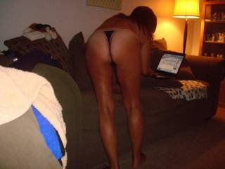 a lovely view, like to get my hands on those white ass cheeks.....if you know what I mean...wink wink