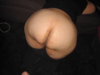 would love to pound that amazing ass!!!