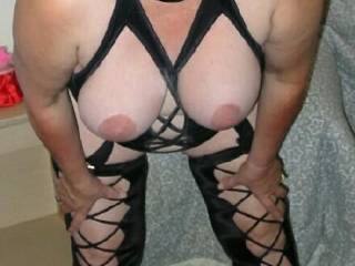 what bbw fan or mature fan doesn\'t love hangers ?