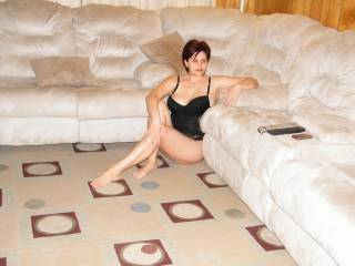 Bulgarian milf loves to pose and show her awesome body.