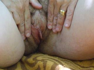 you have a very hot and tasty looking pussy so do love them pussy flaps makes my cock tingle mmmm