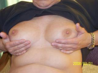 beautiful tits that like to suck them
