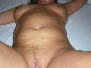 I'm gonna squirt looking at her sexy body. Thanks for sharing your sexy pictures.