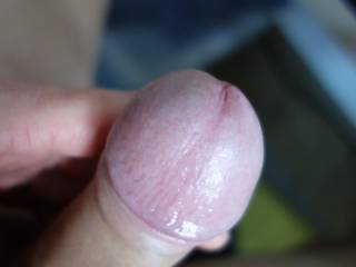 mmmmh who want to suck me.....?