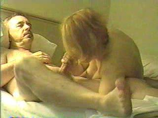 SUCKING SOME COCK