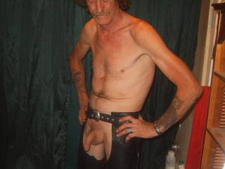 Damn. A hot stud with a shaved cock in leather chaps?  This pic has my cock rock hard and throbbin. Great jo material. Only wish your cock was in my mouth when I am strokin mine. Would love a facial from that awesome piece!