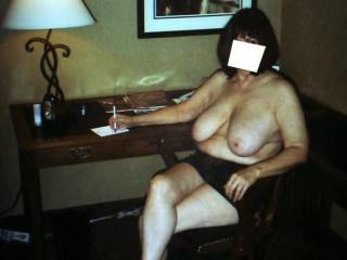 mature secretaries should have the experience to their job very well! even without the boss telling them! does she too?