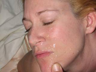 I love sucking big cock and having hot cum sprayed all over my face