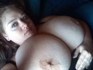 absolutely love this pic! Sooo hot! What would I do to see that in person and then make those beautiful big titties bounce
