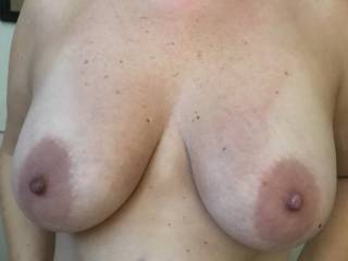 showing me her big lovely tits on vacation