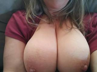 sending a tit pic to my girlfreind to show her friend to see if she wants to get together