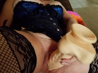 I love to see her work both getting ready for me... We are only interested in comments from women and couples please