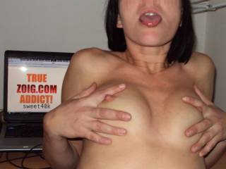 so dam sexy. wow like to suck on them nipples. wow