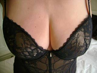 Oh wow, hon.... those huge, soft, ripe breasts look absolutely delicious! SO looking forward to the big unveiling x