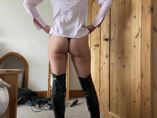 I wonder, would you cum over my ass, or the boots.Cover me & show me.