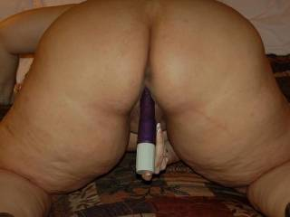 Naughty V just loves to ride her toys, anyone want to lick it clean for her?