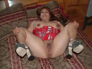 Huge areolas, beutiful pussy, not camera shy....what's not to love about this hot Latina!!