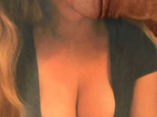 Adaddysgirll is so sexy, especially when she poses with her ample breasts exposed and her anxious tongue sticking out ready to devour her next conquest!