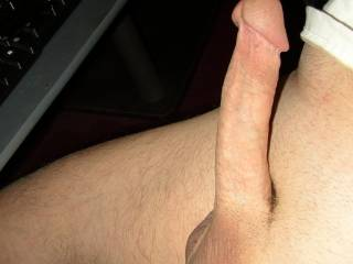 i would luv2fuk that nice smooth cock