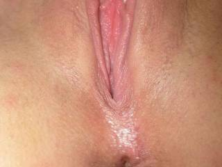 taken just after showering and super close shave.....i have a very small pussy as u can see.....do you like my asshole?