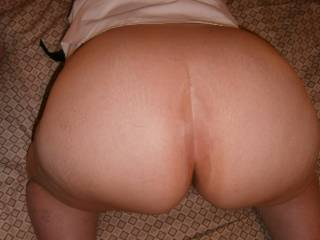 Wow! Gorgeous arse. Would love to fuck you doggystyle and finish off by spunking over your arse cheeks. Heaven!