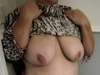 proving I\'m not wearing a bra