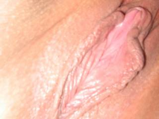 And that is one hot pussy...  I would love to play with that hot pussy...