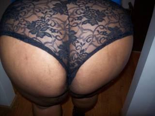 My mocha lover\'s phat ass in her boyshorts