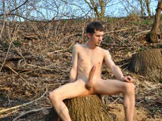 great pic. I love to get a big hard on in the outdoors also