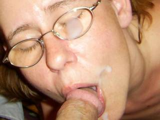 that looks good yeep i love to fuck your mouth a spunk on your face too