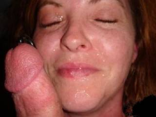 She needs another cock on the other side of her face!