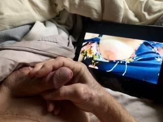 Masturbating love seeing exposed breasts.