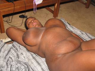 I want to make those beautiful big titties bounce around