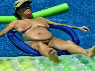 Mature wife naked for everyone to see