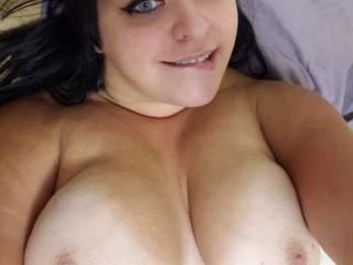 Nice big tits and blue eyes