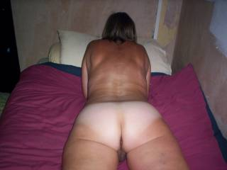 mrs h showing her peach arse do you like