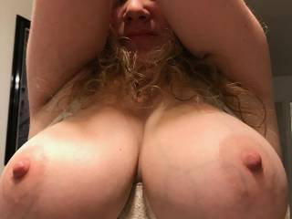Great picture of Beautiful Kiki and her big fat tits! Tell me there's a woman in Nor Cal that wants to play with these with me?