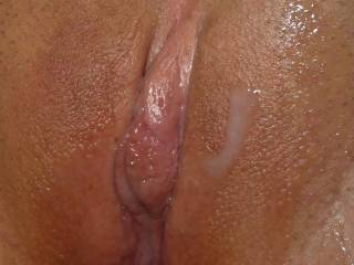 Great cum shot on a beautiful pussy!!