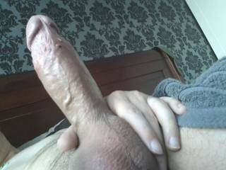 WOW mmmmmmmm yummy big and thick the way a cock should look