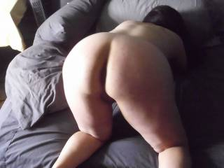 I wanna grab a hold of that sweet ass and take that pussy from behind