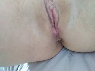 Any dirty girl willing to lick me deep and suck my clit ??